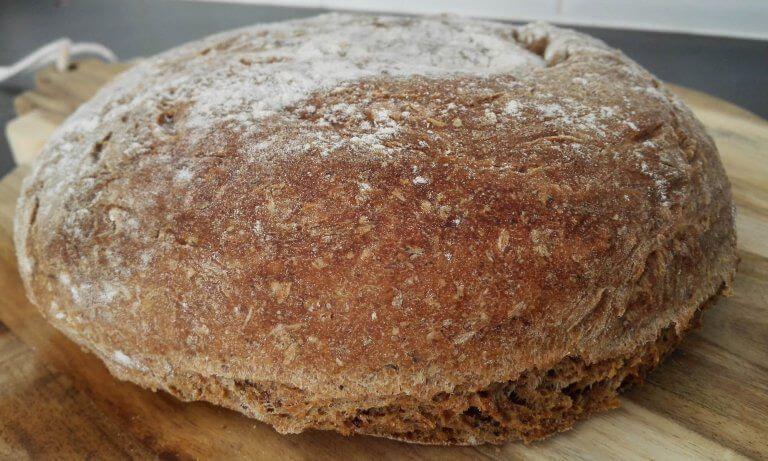 Brood gemaakt van bierbostel