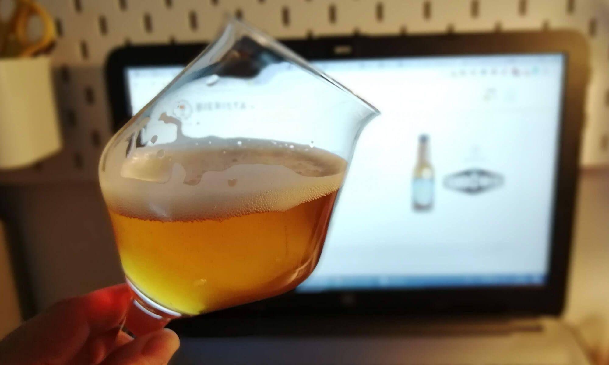 Het proeven van bier tijdens de Bierista bieropleiding