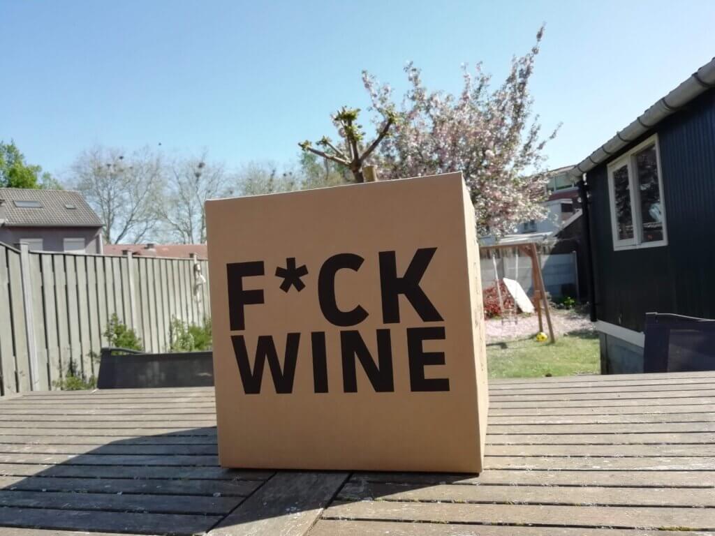 De opvallende f*ck wine doos van Mr. Hop