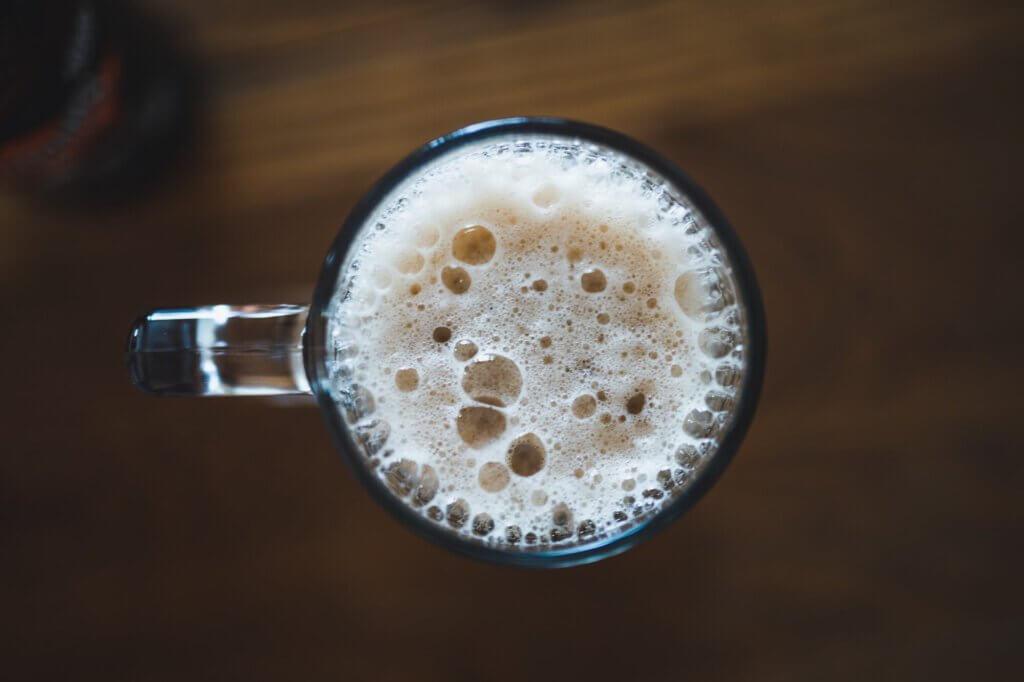 Geef de bier tijd om te conditioneren en je hebt een mooie schuimkraag